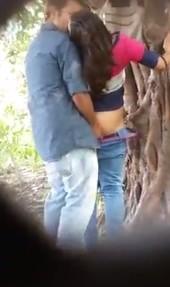 แอบถ่ายในป่าล้างxxxหนุ่มอินเดียหลอกสาวมาฟันในป่า โดนเย็ดท่ายืน ซอยด้านหลังแบบเสียว ๆ xxx