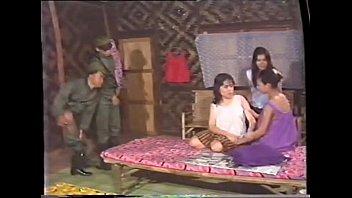 NUNGXไทย คู่กำ กำควยทหารมาเย็ดแม่บ้าน นำแสดงเย็ดโดย ศักดิ์ชาย กาสินท์ แปลงเป็นทหารออกค่ายขืนใจสาวสวย