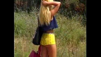 ลากมาเย็ด เจอสาวโป๊โคลอมเบีย หุ่นแซ่บ ยืนหีบิดอยู่ข้างทาง จับมาเย็ดหีสะให้เข็ด ได้เสียวข้างทางก่อนกลับบ้าน porn xxx