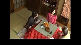 xxx kotatsu วัยรุ่นกำลังแตกหนุ่มอดใจไม่ไหวมีสาวมาอ่อยถึงที่บ้านxxสวยเอ็กซ์ นมโต ข่มขืนแมร่งซะเลย หีเอเชีย เย็ดได้แรงโครต ๆ