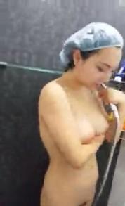 เน็ตไอดอลไทย2017 Maya Tila โดนน้องเปรี้ยวเพื่อนรักถ่ายคลิปเล่น ๆ ตอนกำลังอาบน้ำ ถอดหมดเห็นยันHEE