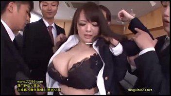 Hitomi Tanaka อิดอก!!เย็ดมันเหลือเกิน โดนรุมโทรมขนาดนี้ยังเดินได้เฉย สบายหีเลยนะเมิง