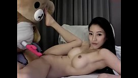 xxxxนางแบบเกาหลีปล่อยคลิปเด็ดแก้ผ้าล่อนจ้อนเอาควยปลอมให้พี่หมีเย็ดหีเล่นสะงั้น ถูหีถี่ๆเสียวจนต้องร้องครางเป็นภาษาเกาหลี