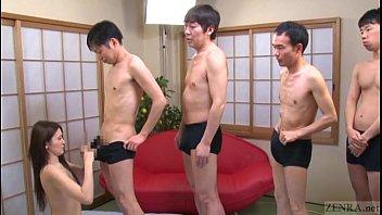 Japanese AV star นักแสดงหนังโป๊ชายยืนเรียงคิวถ่ายหนังเอ็กซ์ให้ดาวเอวีโม็คควยให้ทีละคน เป็นบุญควยพวกมึงเลยน่ะเนี้ย