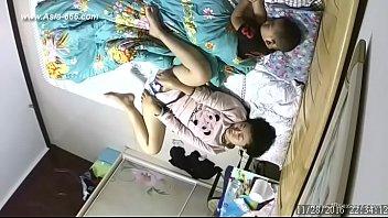 คลิปหลุดไลน์xxxCamera เปิดวาร์ปคลิปโป้ใหม่จากกล้องวงจรปิด แม่ลูกหนึ่งนอนช่วยตัวเองขณะที่ลูกนอนหลับอยู่ข้างๆ