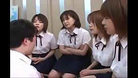 คลิปโป้เจแปน Teacher Japanese Avอาจาร์ยหนุ่มกับกลุ่มสาวนักศึกษา เล่นเสียวอะไรกันเอ๋ย เสียงดังอย่างแรง