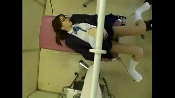 XXNAJA นายแพทย์หลอกตรวจช่องคลอดนักศึกษา เขี่ยเม็ดแตดจนควยแข็ง เจอควยหมอไปถึงกับร้องไห้ไปเลย
