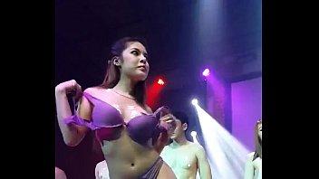 Bar Thailand xxxแอบถ่ายโคโยตี้บนเวทีที่ผับหรูกลางใจเมืองกรุงเทพมาแบบลับๆ เต้นแก้ผ้าเปิดนมกับหนุ่มเกย์ไทยกล้ามปู