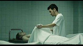 เย็ดกับศพนักศึกษาโรคจิตขึ้นขย่มเย็ดศพสาวสวยคาเตียงเย็ดแรงเย็ดมันส์จนศพเสียวหีฟื้นขึ้นมาน้ำแตกด้วยคน