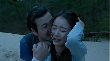 ดูหนังโป๊เกาหลี MOVIE KOREAN HD ฉากเย็ดกันข้างชายหาดช่วงฟ้าตกดิน สาวสวยหลงทางโดนชาวประมงข่มขืนกันเป็นคู่ๆร้องเสียวสะใจ