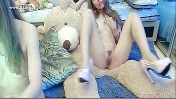 คลิปโป้หญิงกับหญิง chinese porno ที่สำคัญเป็นเน็ตไอดอลจีนซะด้วย ไลฟ์โป๊โชว์หน้าแคมฟรอกเปิดหีชมพูแบบ HD+