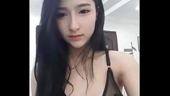 Amy Thananchanok ดาวมหาลัยสาวน้อยลูกครึ่งไทย-เยอรมัน สวมชุดชั้นในไลฟ์สดหน้ากล้อง เซ็กซี่ได้ใจสายหื่นเหลือเกิน