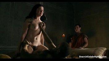 หนังติดเรท18+ Spartacus ตอน gods of the arena ทาสสาวโดนเย็ดป่าเถื่อน เอามาเย็ดต่อหน้าทหารนับร้อยเย็ดกันอย่างรุนแรงสไตล์นักรบ