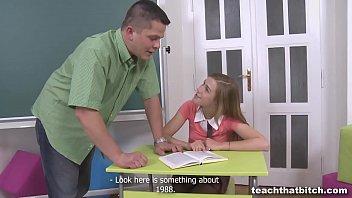 ครูสอนพิเศษเย็ดนักเรียนสาววัย15คาบ้านพัก เห็นร่องหีเด็กแล้วมันเงี่ยนบังคับให้อมนกเขาแล้วจับหีใช้มือทั้ง5เขี่ยแตดสั่นจนเด็กร้องแสบหี หนังโป๊เปิดซิง