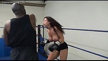 Boxing xxx นักมวยระดับโลกขึ้นสังเวียนเดิมพันศึกบนเตียงใครแพ้โดนจับปล้ำ งานนี้ดาราหนังโป๊แห่ง PORN มีแผนอยากโดนควยนักมวยเอาแน่นอน