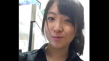 ผู้จัดการสาวหีใหญ่จากร้าน McDonald's  โชว์เสียวหน้ากล้องช่วงกะดึก เงียบจัดไม่มีลูกค้าเลยช่วยตัวเองแก้คันหีซักหน่อย หน้าสวยใสขนาดนี้แถมหนังหียังชมพูซศะอีก