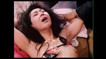 หนังโป๊ฮ่องกงHongKongXNXXจับเมียเพื่อนมาลงแขกใช้หนี้พนันบอล เย็ดน้ำแตกพุ้งใส่หน้าร้องครางเสียบหีเย็ดจนหีระบมไปหมด