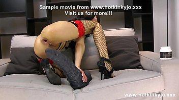 หนังโป้จาก Hotkinkyjo เลสเบี้ยนสาวโชว์ความโหดกับ Devil Dildo ควยยักษ์สีดำ ยัดเข้าไปในตูด แล้วรูดให้น้ำแตก