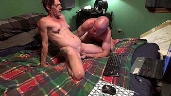 คู่เกย์แก่ยังไม่เลิกเงี่ยน เปิด Webcam xxx เย็ดตูดกันออนไลน์ กระเทยแปลงเพศโดนดิลโด้ยัดตูด ครางเสียวแล้วเปิดหีเทียมให้กล้อง