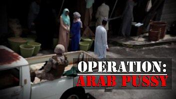 หากินง่ายๆ ตามสไตล์ทหาร เงี่ยนมากก็ไปหิ้ว Arab Pussy หีแขกสวยๆจากตลาด เย็ดฟรีเพราะมีปืน ซอยหีอิสลามโคตรมัน