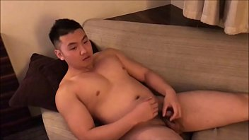 Beefy Jock หนุ่มเกาหลีเกย์โชว์ชักว่าวในสตูดิโอหนังโป้ หุ่นล่ำควยเป็นลำสาวจนสุดแท่ง gay porn เกาหลีเงี่ยนเย็ดน้ำแตกเต็มมือ