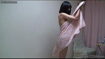 ลีลาดาราหนังโป้เด็ก Yua Nanami อาบน้ำแก้ผาแล้วมาโชวแต่งตัวหน้ากล้อง นมใหญ่หีขาวเนียนใส่ชุดคอสเพลย์ยั่วเย็ดน่ารักโคตร