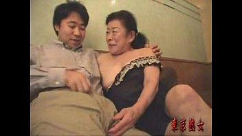 ไม่ชอบสาวๆชอบหีเหี่ยวๆ Chinese granny หนังโป้จีนเรื่องดัง เอาคนแก้มาเป็นนางเอก เขี่ยหีแล้วโดนผู้ชายเย็ดจนผมหงอกร่วง