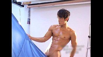 Gay Modeling ถ่ายแบบโป๊กับเกย์เอเชีย ภาพสวยชัด HD ดูกันเต็มตาทุกควย เอากระดอรูดกับผ้าจนควยแข็ง หุ่นล่ำน่าจับเย็ดตูด