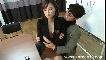 สัมภาษณ์งานแบบเสียวๆ Korean Girl อยากทำงานจนต้องยอมโดนเย็ด เอาหีให้เสียบเย็ดบนโซฟา นั่งขย่มควยมันๆจนได้เป็นเลขา