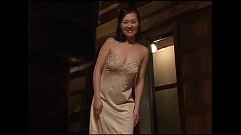 xxxหนังโป๊ญี่ปุ่นเต็มเรื่อง เล่นรักกับสาวใหญ่ แอบผัวมาให้ควยตำยันที่ห้องโถง จัดลิ้นเลียหีซะให้ดอนดิ้นไปเลย