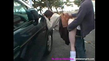 XXXหนังหีนักเรียน โดนอาจารย์จอดรถเย็ดข้างโรงเรียน พกควยปลอมมาเสียบหีเย็ดเธอคาชุด ยืนกระเด้าโชว์คนทั้งเมือง