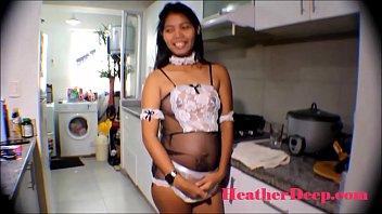 สาวไทยเล่นหนังโป๊คนท้อง เย็ดกันในครัวยืนแอ่นยั่วควย โดนกระเด้าเข้าไปเสียวจนหีลั่นน้ำแตกไหลเต็ม เอาควยตีหัวลูกทั้งคืน