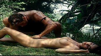 หนังโป้ทาซาน เจ้าป่านักเย็ดลากมาเอาหีกลางป่า เย็ดแรงแบบซาดิสหิวหีมาจากไหน ควยใหญ่นั่งขย่มจนหีบาน