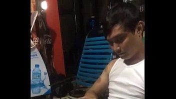 คลิปดัง18+ คนไทยเมาแล้วท้าชักว่าว งัดควยขึ้นมาแล้วรูดโชว์ กระดอเท่าแขนน่าเย็ดมากๆ ทั้งโมกทั้งเย็ด