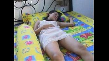 หนังEroticไทย โดนเย็ดที่ริมหาดถึงกับร้องไม่ออก หีวัยรุ่นโดนพี่เขยหลอกเย็ด เอาควยมาแทงหีสดๆ