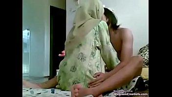 คลิปใหม่ เปิดซิงสาวมุสลิมยะลาแต่งตัวมาเต็มยศโดนจับถอดจนโป๊ นั่งโยกหีขย่มควยแบบนี้ อยากโดนเย็ดจนหีสั่น