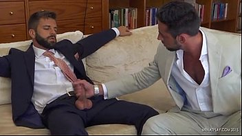 หนังโป๊เกย์นักการเมืองอังกฤษ XXX 4K บอดี้การ์ดแอบเย็ดกันในทำเนียบขาว ปิดห้องโมกควยสด เย็ดตูดท่าหมา เย็ดน้ำแตกขี้ไหล