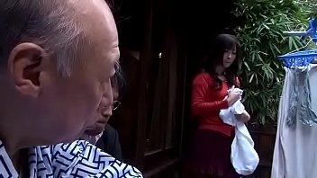 18+ หนังเอวีเต็มเรื่อง ลุงแก่แอบรักสะใภ้ Shigeo Tokuda ล่อเย็ดกันกลางบ้าน เอาควยเหี่ยวๆเสียวเข้าหี ยืนซอยในห้องน้ำ