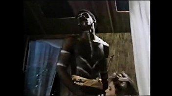 ดูฟรีหนังXคนป่า นิโกรบุกมาเย็ดฝรั่งสาวหีขาว ควยเท่าแขนกระแทกเข้าหี ครางเสียวจนคนป่าซอยไม่ยั้ง