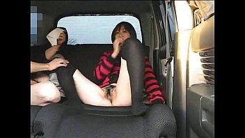 หนังav เย็ดหีในรถ โดนหลอกมาขายหี เอาควยปลอมเสียบหี ก่อนใช้ควยจริงเย็ดรัว เอากันหลังรถน้ำเงี่ยนกระจาย