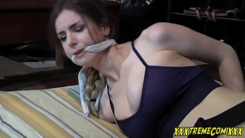 Porn หนังโป๊ดัง เย็ดสาวฝรั่ง Lara Croft จับข่มขืนมัดแล้วแทงหี ร้องดังดีนัก เจอควยยัดปากซะเลย