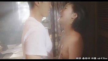 หนังRเกาหลี18+ สาวนักเรียนใจแตกแอบหัดมีเซ็กส์กับหนุ่มข้างบ้าน เย็ดกันแบบไม่ปิดห้องจนปู่แอบเห็นหีตอนโดยควยเปิดซิง