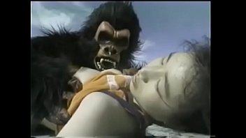 หนังโป๊เก่าๆ หาดูยาก คิงคอง18+ แนวแปลกคนเย็ดกับสัตว์ จับเปิดนมแล้วเอาควยแทงหี