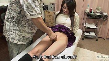 PORN เบื้องหลังหนังโป๊ญี่ปุ่น ดาราเอวีให้ช่างแว็กขนหมอยก่อนจะเย็ดกัน หนังหีโล้นโกนขนหมอยเกลร้ยงเลยเห็นง่ามหีเต็มตา หีน่าเย็ดจัง