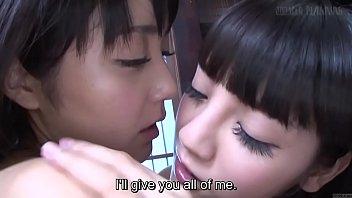 หนังโป๊ผู้หญิงกับผู้หญิง JOOJAV ดาราเอวีเลสเบี้ยนรับบทตีฉิ่งนางแบบเลสเบี้ยนXXXญี่ปุ่นหน้าใหม่ จับไซร้คอ เลียหัวนมกันได้เสียวมาก
