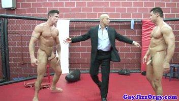 หนังเอ็กซ์เกย์นักมวยปล้ำ GAY XNXX ควยใหญ่กล้ามโตต่อสู้เอาควยยัดรูตูด เย็ดดุเดือดคนดู18+ลุ้นควยแข็ง